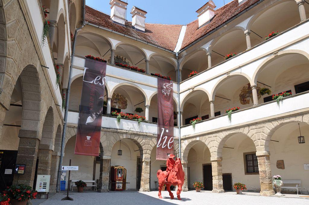 Discover Ptuj | Ptujski grad, slikovita utrdba nad najstarejšim slovenskim mestom 2