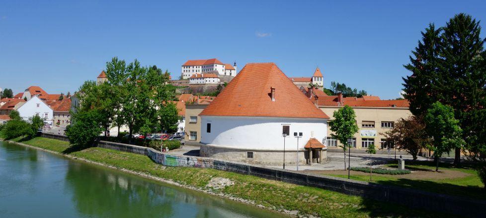 Dravski stolp Ptuj in staro mestno obzidje