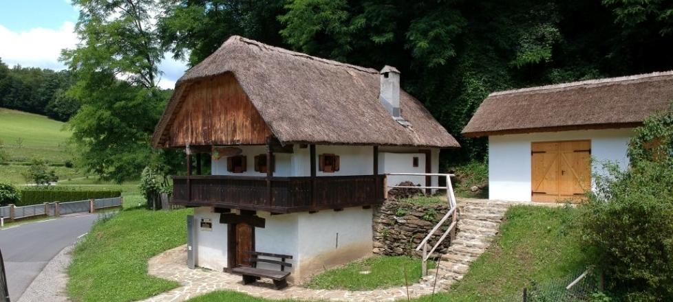 Vukova domačija, Dobrina