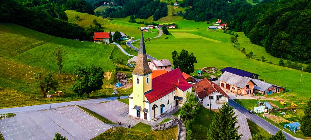 Cerkev sv. Antona Puščavnika, Stoperce
